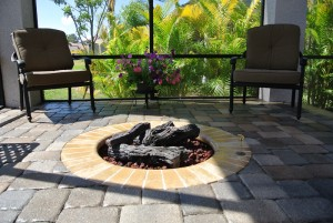 Gas fire pit with coping brick